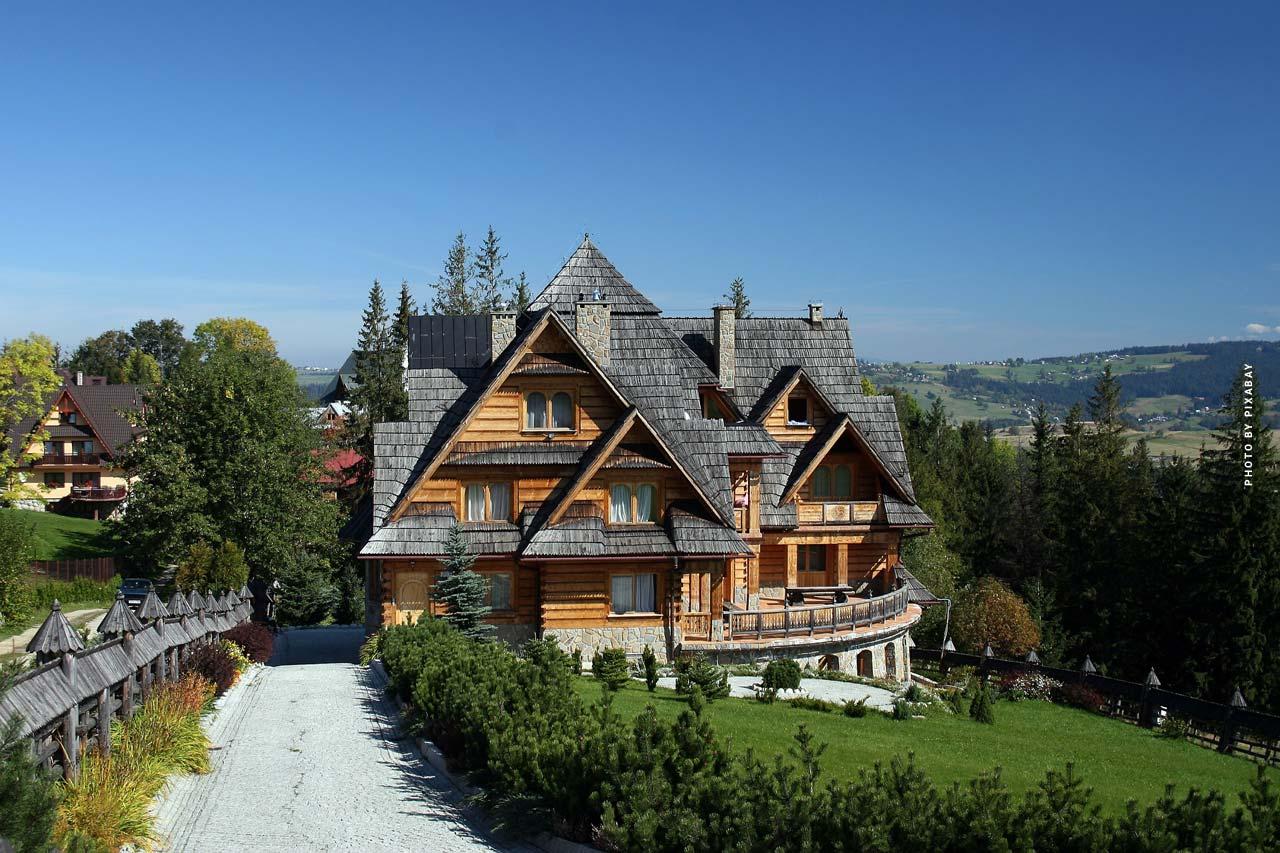 Luxury Realtor Kitzbühel: Exclusive condo, houses and alpine panorama