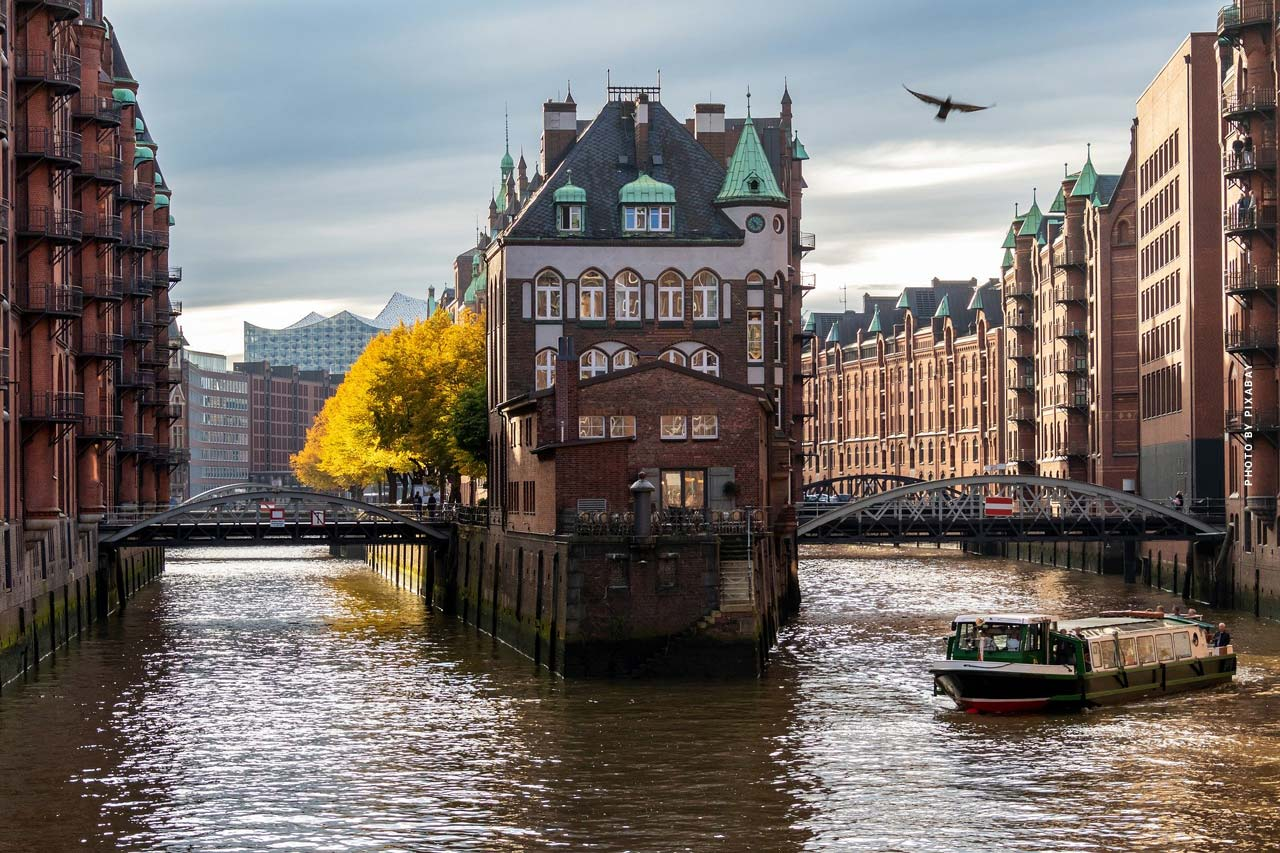 Luxury Realtor Hamburg: Condo, house and capital investment