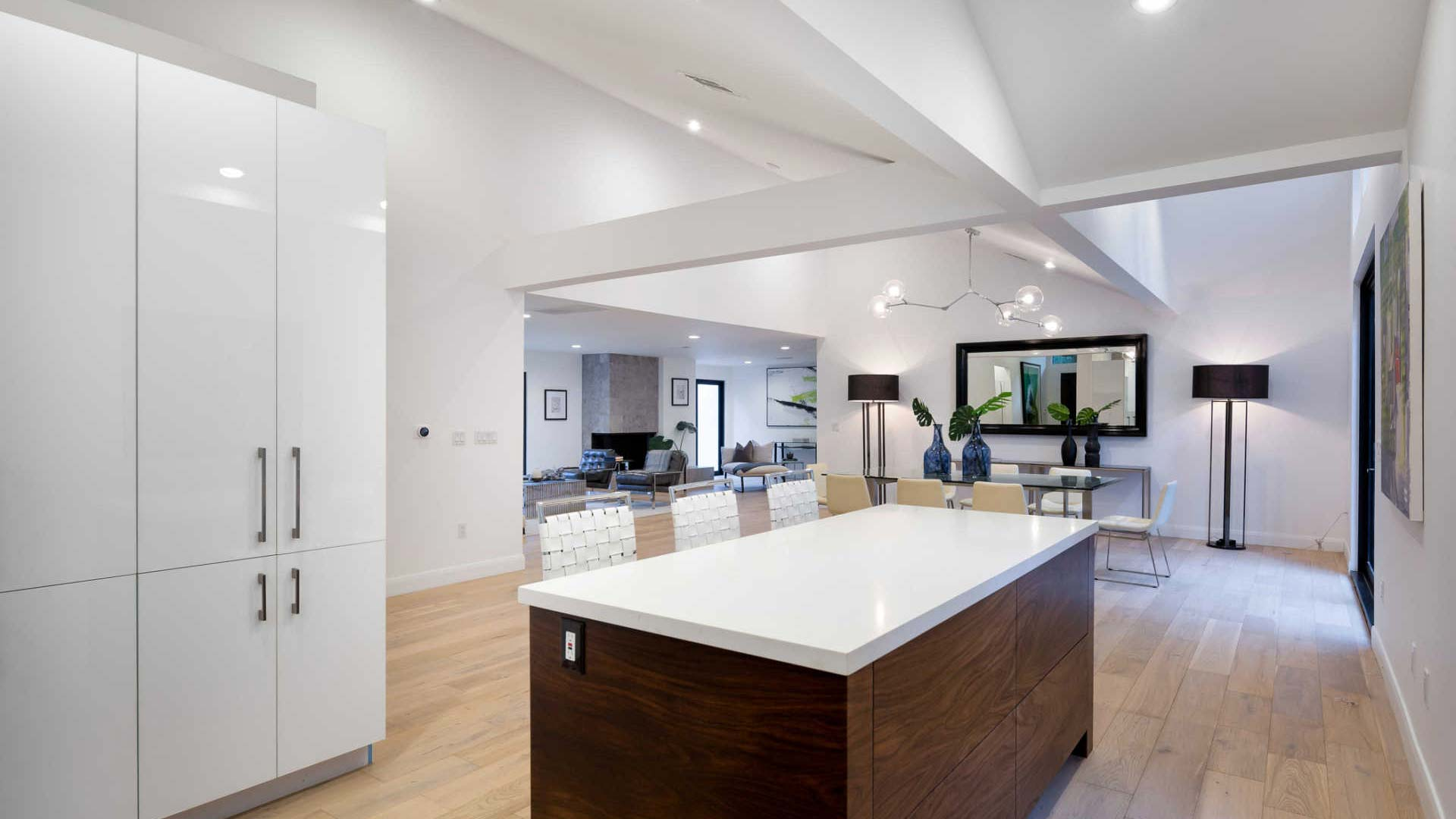 Beverly Hills, CA 90210 – 2511 Benedict Canyon Dr –  $4,250,000