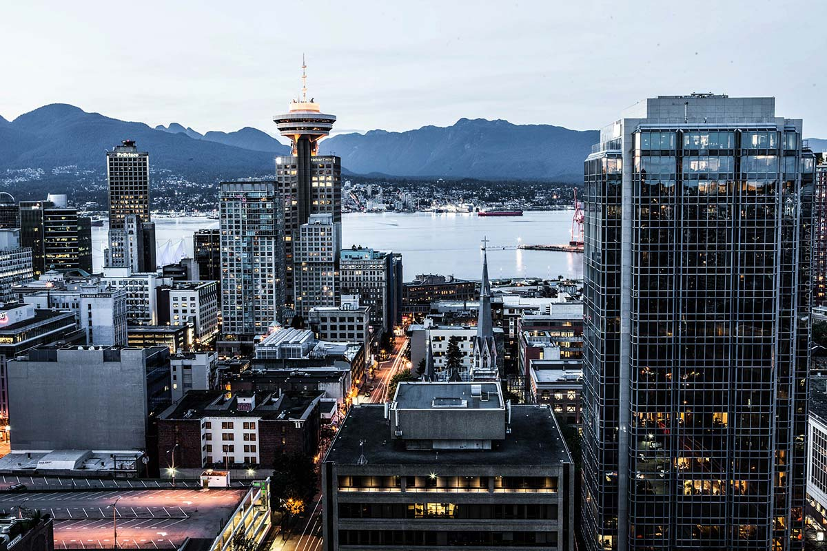 Luxury Realtor Vancouver (Canada): Condo, House and Capital Investment