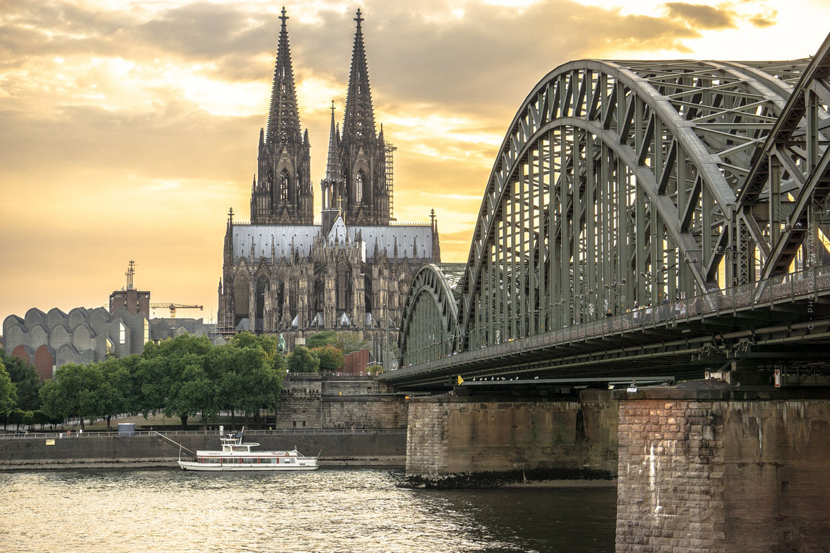 Living in Cologne: Luxury properties in Südstadt, Marienburg and Hahnwald - Prices per square metre & tips for houses, apartments and land