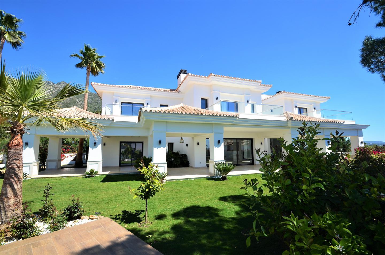 "Villa in Marbella: House, plot, pool - living in the ""Golden Mile"" for 4.4 million euros"